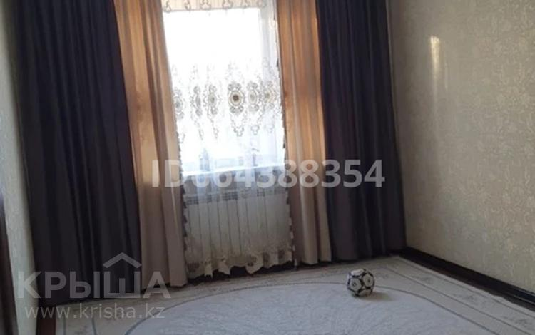4-комнатная квартира, 90 м², 1/5 этаж, 7-й мкр 19 за 28.5 млн 〒 в Актау, 7-й мкр
