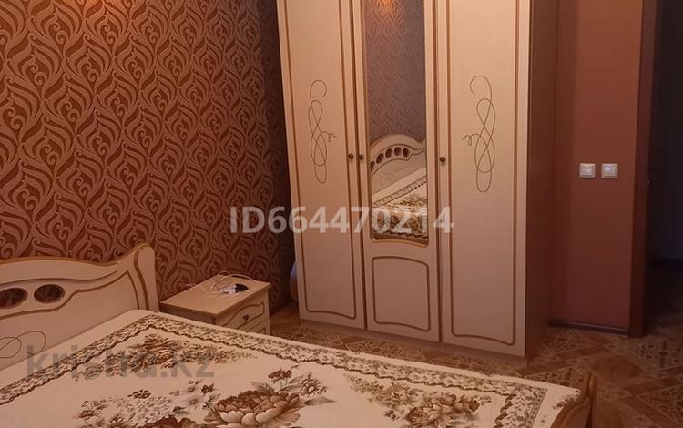 3-комнатная квартира, 72 м², 2/5 этаж, улица Утепова 25 за 28 млн 〒 в Усть-Каменогорске