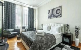3-комнатная квартира, 100 м², 7/12 этаж посуточно, Достык 14 за 16 000 〒 в Нур-Султане (Астана), Есиль р-н