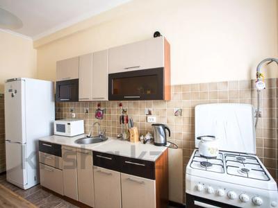 2-комнатная квартира, 70 м², 8/8 этаж посуточно, Валиханова 21 за 13 990 〒 в Атырау — фото 12