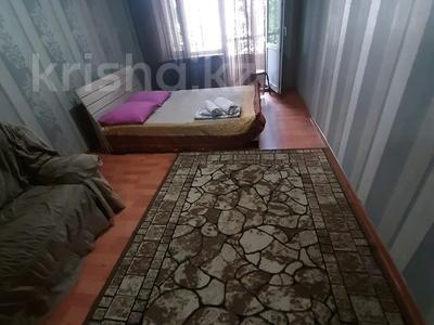 2-комнатная квартира, 60 м², 2/5 этаж посуточно, Сейфуллина 422 — Макатаева за 8 000 〒 в Алматы, Алмалинский р-н