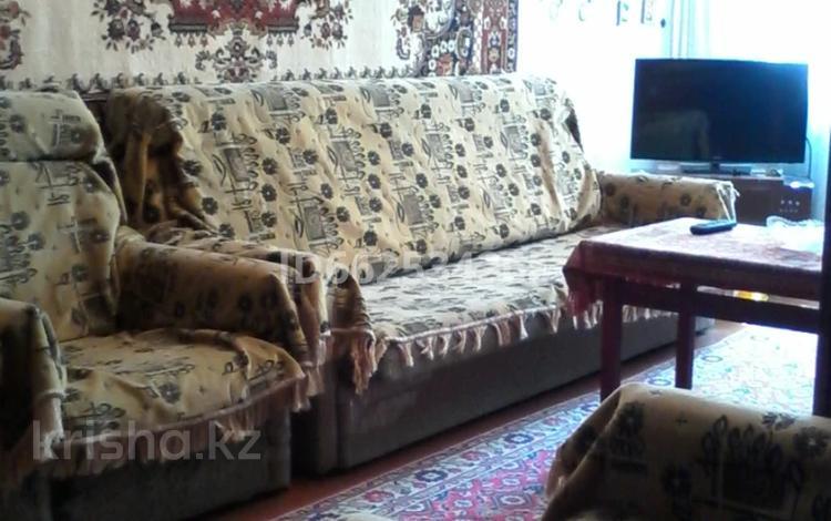 3-комнатная квартира, 56 м², проспект Нурсултана Назарбаева 59 за 14.9 млн 〒 в Караганде, Казыбек би р-н