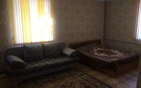 1-комнатная квартира, 30 м², 1/4 этаж посуточно, Ниеткалиева 14 — проспект Жамбыла за 5 000 〒 в Таразе