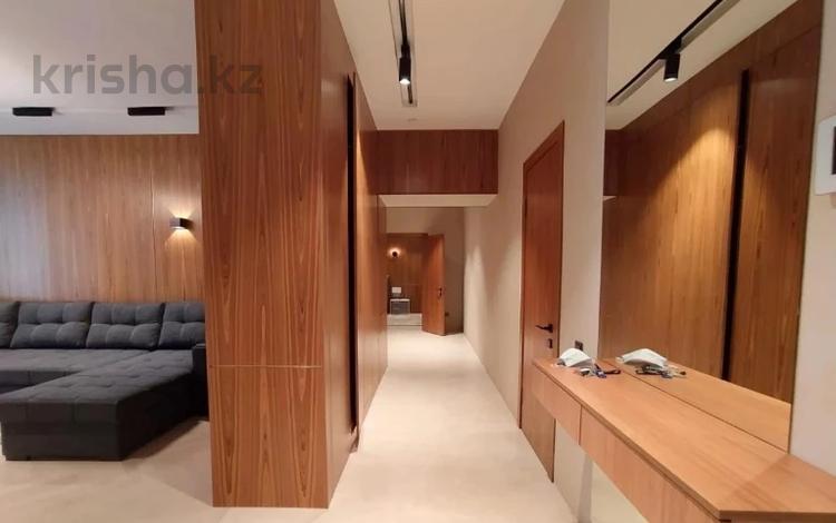 2-комнатная квартира, 85 м², 5 этаж помесячно, Шамши Калдаякова 1\2 за 200 000 〒 в Нур-Султане (Астана), Алматы р-н