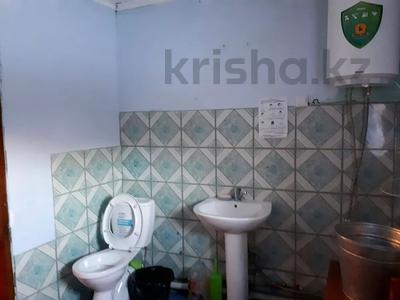 6-комнатный дом, 110 м², 6 сот., Западный переулок 4 — Каржаубаева 205 за 10 млн 〒 в Семее — фото 16