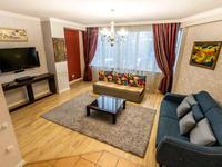 2-комнатная квартира, 100 м², 6/30 этаж посуточно, Аль-Фараби 7к5а — Козыбаева за 30 000 〒 в Алматы