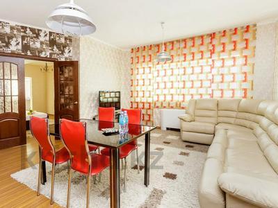 2-комнатная квартира, 70 м², 31 этаж посуточно, Достык 5 за 15 000 〒 в Нур-Султане (Астана), Есиль р-н
