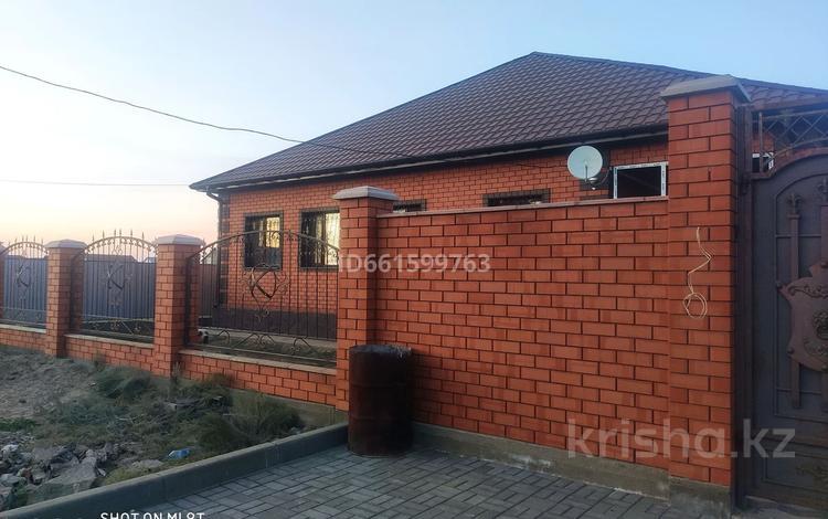 5-комнатный дом, 200 м², 10 сот., Сарбаздар 12 за 35.5 млн 〒 в Курайлах