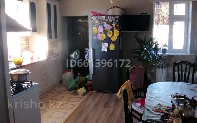 4-комнатный дом, 150 м², 10 сот., Актюбсельмаш 122 за 28 млн 〒 в Актобе