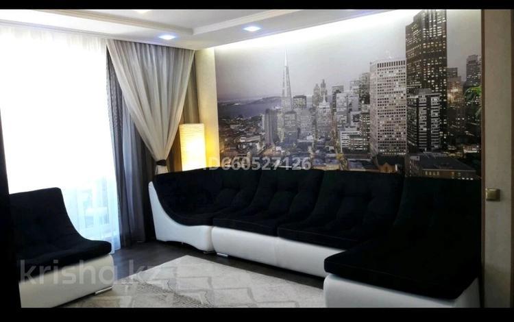 4-комнатная квартира, 78 м², 10/10 этаж, 1 мкр 20 а за 15.7 млн 〒 в Семее