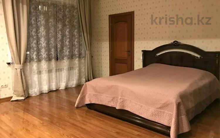 3-комнатная квартира, 120 м², 12/12 этаж посуточно, Розыбакиева 247 за 23 000 〒 в Алматы, Бостандыкский р-н