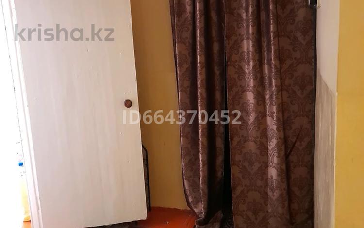 3-комнатная квартира, 60 м², 2/2 этаж, Р.Мырзахметов 1 за 7 млн 〒 в Абае