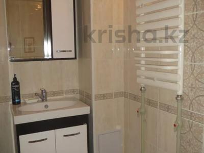 2-комнатная квартира, 40 м², 1/5 этаж посуточно, Тыныбаева 5 за 9 000 〒 в Шымкенте, Аль-Фарабийский р-н — фото 11