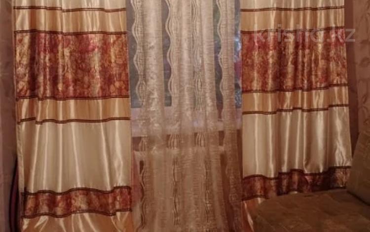 2-комнатная квартира, 40 м², 1/5 этаж, мкр Аксай-3А, Бауыржана Момышулы — Толе Би (Комсомольская) за 18 млн 〒 в Алматы, Ауэзовский р-н