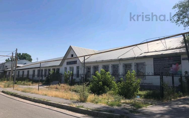 Здание, площадью 1280 м², Сматлаева 102 за 100 млн 〒 в Шымкенте