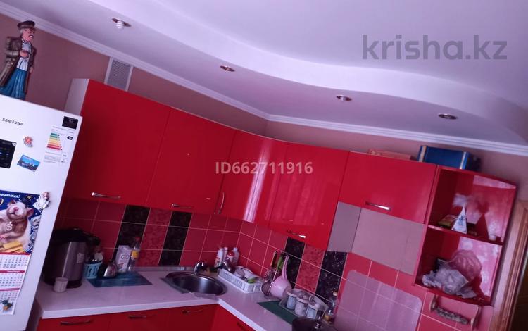 3-комнатная квартира, 69.9 м², 5/5 этаж, Кабанбай Батыра 84 за 25 млн 〒 в Усть-Каменогорске