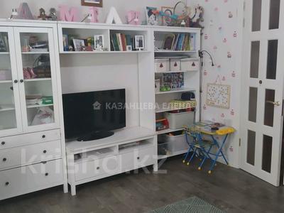 3-комнатная квартира, 73 м², 1/2 этаж, улица Жамбыла 103 за 22 млн 〒 в Караганде, Казыбек би р-н