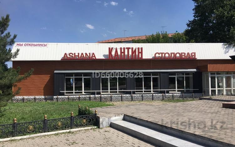 Здание, Батталханова 6 площадью 257 м² за 2 500 〒 в