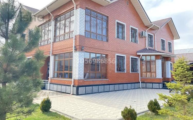 10-комнатный дом, 480 м², 17 сот., Пахтакор 194 за 150 млн 〒 в Шымкенте, Енбекшинский р-н
