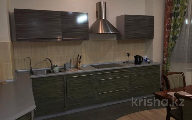 2-комнатная квартира, 64 м², 5 этаж помесячно, Момышулы 2 за 140 000 〒 в Нур-Султане (Астана), Алматы р-н