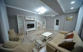 2-комнатная квартира, 80 м², 3/6 этаж посуточно, Санкибай батыра 253/4 за 17 000 〒 в Актобе, мкр 12