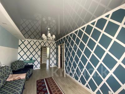 3-комнатная квартира, 61 м², 5/5 этаж, Алиханова 35 за ~ 15 млн 〒 в Караганде, Казыбек би р-н