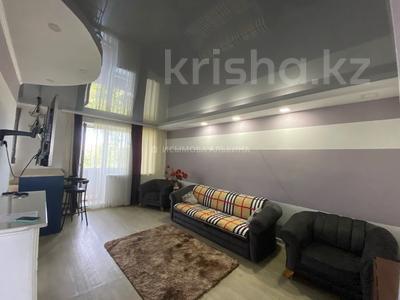 3-комнатная квартира, 61 м², 5/5 этаж, Алиханова 35 за ~ 15 млн 〒 в Караганде, Казыбек би р-н — фото 4