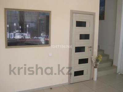 Здание, Чайковского — Ауэзова площадью 254 м² за 2 500 〒 в Петропавловске — фото 6