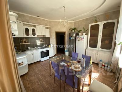 4-комнатный дом, 160 м², 10 сот., Рахимбекова 22 за 40 млн 〒 в Караганде, Казыбек би р-н — фото 10
