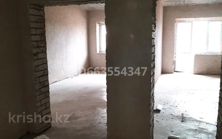 1-комнатная квартира, 65.6 м², 4/5 этаж, мкр Северо-Восток за 12 млн 〒 в Уральске, мкр Северо-Восток