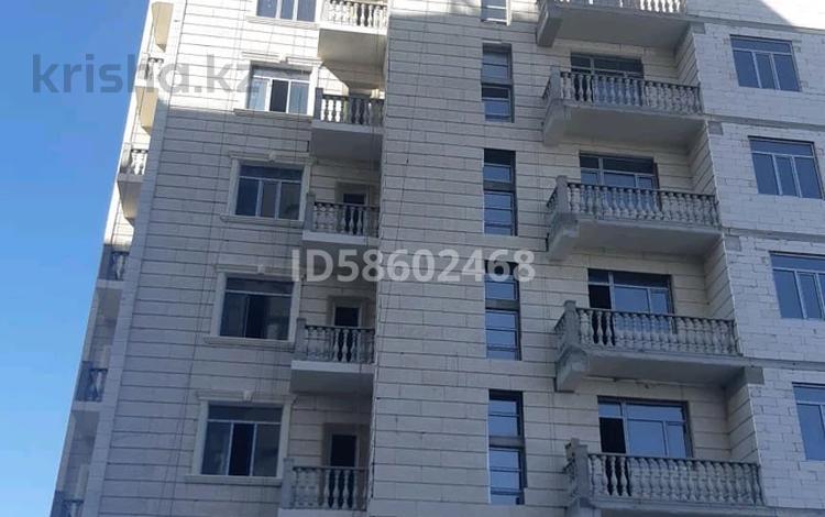 4-комнатная квартира, 146.2 м², 3/10 этаж, 16-й мкр , Мкр 16-й 13/1 за ~ 25.6 млн 〒 в Актау, 16-й мкр