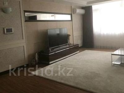 4-комнатная квартира, 150 м² помесячно, проспект Рахимжана Кошкарбаева 10 за 350 000 〒 в Нур-Султане (Астана) — фото 3