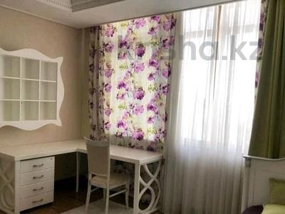 4-комнатная квартира, 150 м² помесячно, проспект Рахимжана Кошкарбаева 10 за 350 000 〒 в Нур-Султане (Астана) — фото 5