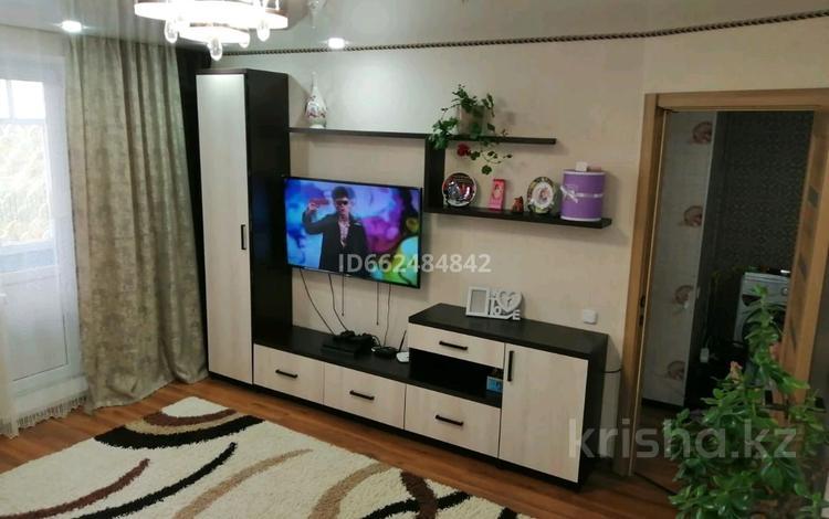 2-комнатная квартира, 52 м², 1/5 этаж, 9 мкр 4 за 13 млн 〒 в Костанае