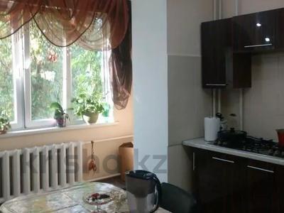3-комнатная квартира, 65 м², 3/5 этаж, мкр Жетысу-4, Бауыржана Момышулы за 26.4 млн 〒 в Алматы, Ауэзовский р-н — фото 3