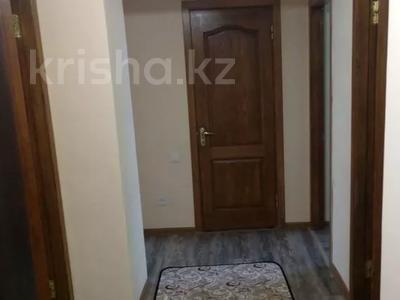 3-комнатная квартира, 65 м², 3/5 этаж, мкр Жетысу-4, Бауыржана Момышулы за 26.4 млн 〒 в Алматы, Ауэзовский р-н — фото 8