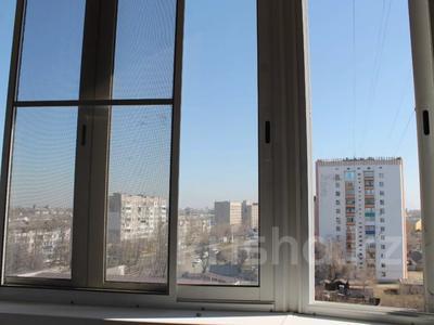 4-комнатная квартира, 86 м², 8/12 этаж, проспект Евразия 196/1 за 11 млн 〒 в Уральске — фото 10