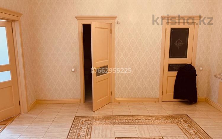 3-комнатная квартира, 168.1 м², 3/12 этаж, Ташенова за 73 млн 〒 в Нур-Султане (Астана), р-н Байконур