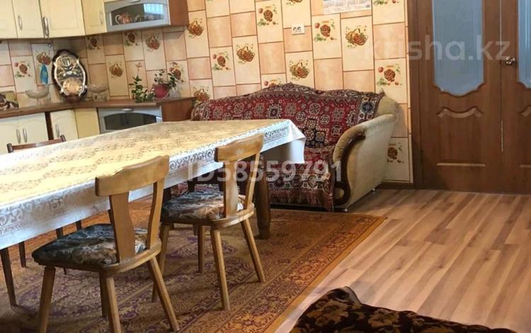 6-комнатный дом, 216 м², 6 сот., 2-ой перулок Сухамбаева 54 за ~ 29 млн 〒 в Таразе