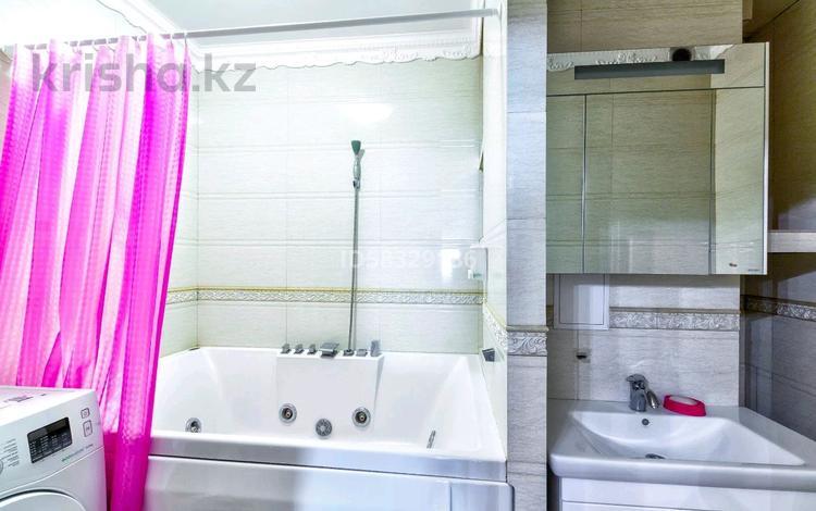 1-комнатная квартира, 50 м², 27/41 этаж посуточно, Достык 5/1 за 10 000 〒 в Нур-Султане (Астана), Есиль р-н