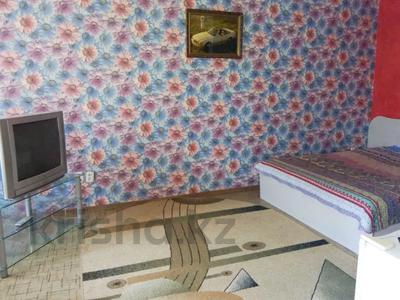 1-комнатная квартира, 32 м², 3/5 этаж по часам, Аль-Фараби 100 — Чехова за 800 〒 в Костанае