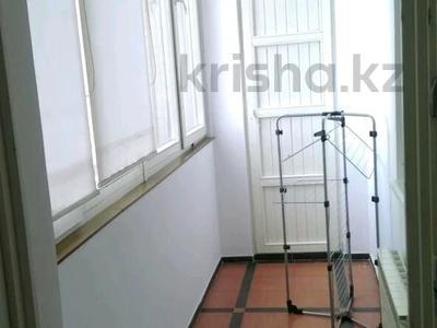 2-комнатная квартира, 80 м², 12 этаж помесячно, Достык 160 — Жолдасбекова за 270 000 〒 в Алматы, Медеуский р-н — фото 3