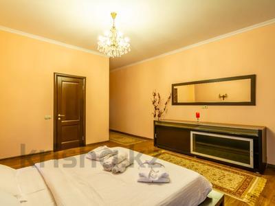 3-комнатная квартира, 170 м², 14/30 этаж посуточно, Аль-Фараби 7 — Козыбаева за 40 000 〒 в Алматы — фото 20