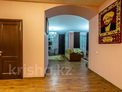 3-комнатная квартира, 170 м², 14/30 этаж посуточно, Аль-Фараби 7 — Козыбаева за 40 000 〒 в Алматы — фото 9