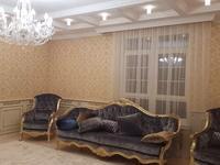 4-комнатная квартира, 180 м², 6/6 этаж помесячно