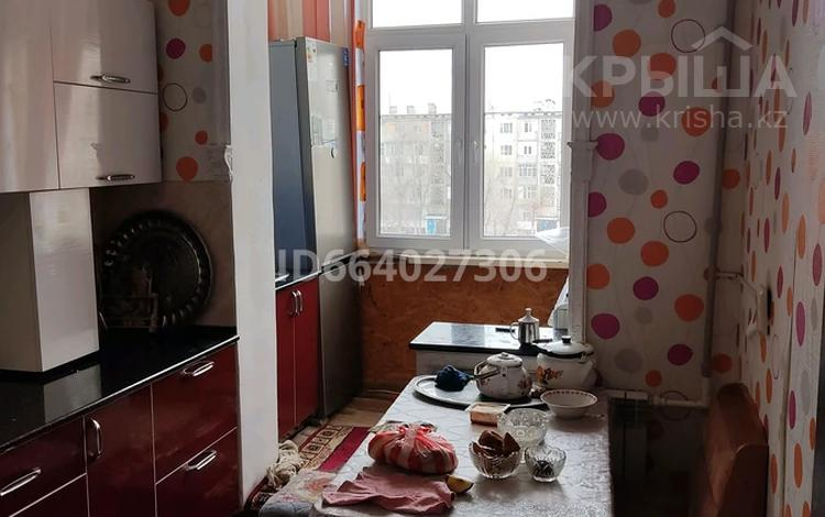4-комнатная квартира, 76 м², 4/5 этаж, Массив Карасу 5 — Б.Момышулы за 18 млн 〒 в Таразе