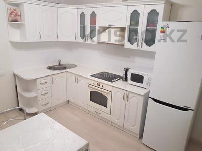 2-комнатная квартира, 65 м², 3/14 этаж, Алматы 13 за 23.5 млн 〒 в Нур-Султане (Астана), Есиль р-н