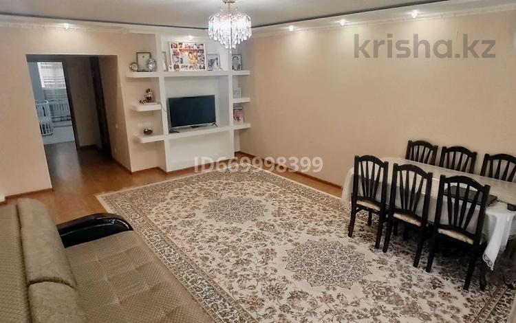 3-комнатная квартира, 94.7 м², 3/6 этаж, мкр Болашак, Бокенбай Батыра 129В за 23.3 млн 〒 в Актобе, мкр Болашак