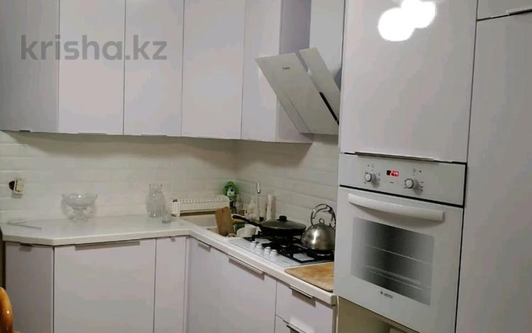 5-комнатная квартира, 123 м², 2/3 этаж, Тауелсиздик за 33.5 млн 〒 в Костанае