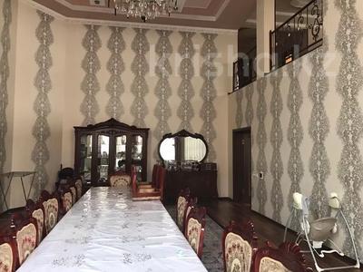 11-комнатный дом, 550 м², Квартал Казмис 4 334/1 за 53 млн 〒 в Алматы — фото 10